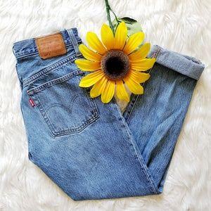 Levi Classic 501 High Waisted Light Wash Mom Jeans